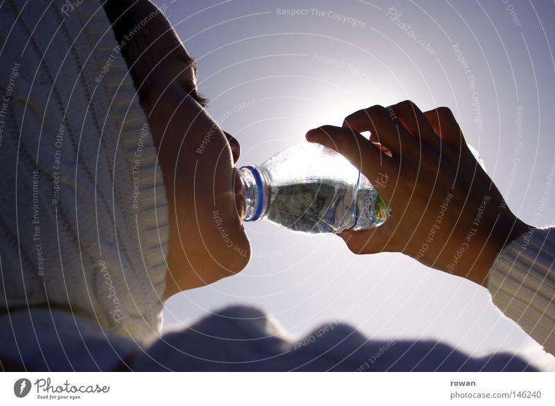 durstig Mensch Jugendliche Wasser weiß Sonne Sommer Leben feminin Kopf Gesundheit Trinkwasser Wellness trinken heiß Flüssigkeit