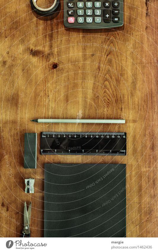 Schreibtisch - schwarz schwarz Holz braun Business Arbeit & Erwerbstätigkeit Büro Ordnung lernen Papier Ziffern & Zahlen Bildung schreiben Beruf Geldinstitut Schreibstift Tastatur