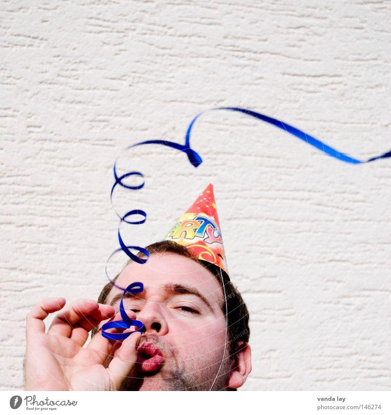 ... das hebt die Stimmung ... Mensch Mann Jugendliche Freude Gefühle Glück Party Erwachsene Jubiläum Musik Feste & Feiern Geburtstag Fröhlichkeit Lifestyle