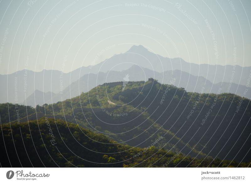 Landstriche Ferne Weltkulturerbe Wolkenloser Himmel Schönes Wetter Berge u. Gebirge Sehenswürdigkeit Chinesische Mauer oben Stimmung Idylle Inspiration