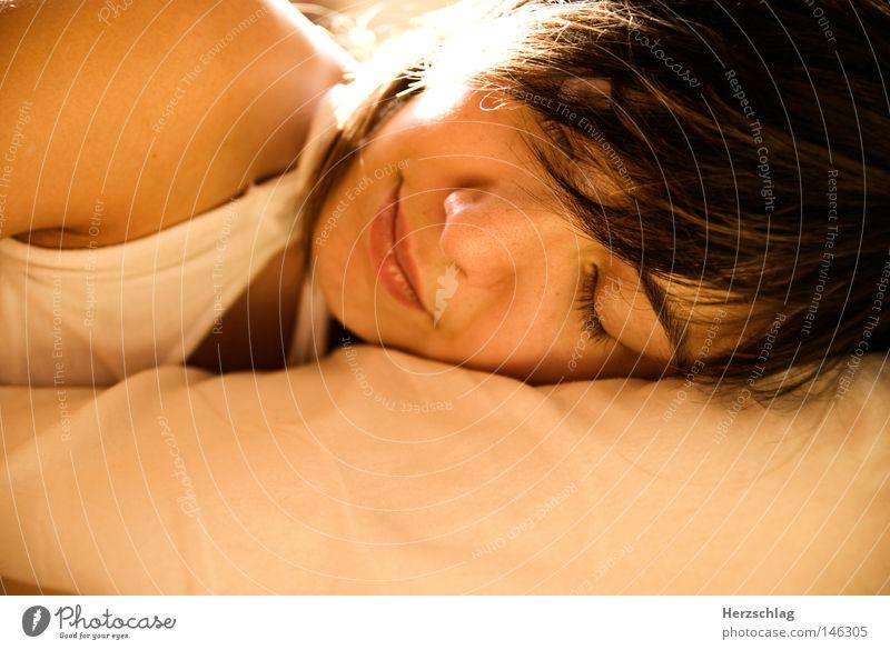 Träume Frau Mensch rot ruhig gelb Erholung Wärme träumen Kraft schlafen planen Physik Idee Geborgenheit laut Prinz