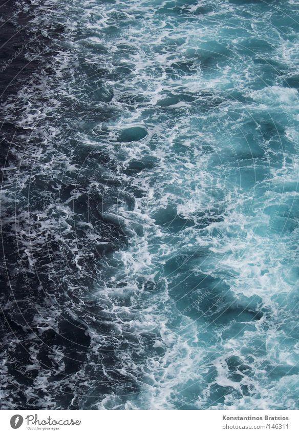 Mittelmeerschaum Wasser weiß Meer blau Sommer Ferien & Urlaub & Reisen Ferne Farbe dunkel Bewegung Wasserfahrzeug Kraft Wellen Wind Geschwindigkeit Macht