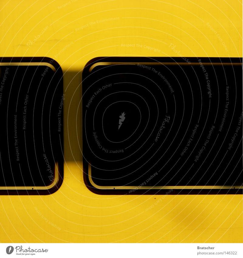 Zeichen und Wunder schwarz gelb Fenster Linie Eisenbahn gefährlich Kommunizieren bedrohlich Information Punkt Medien U-Bahn Symbole & Metaphern Rennbahn Warnhinweis Logo