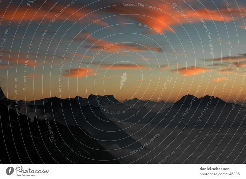 ich habe da noch eins Himmel Sonne Farbe Sonnenuntergang Cirrus Licht Alpen Berge u. Gebirge Schweiz Berner Oberland wandern Bergsteigen Freizeit & Hobby