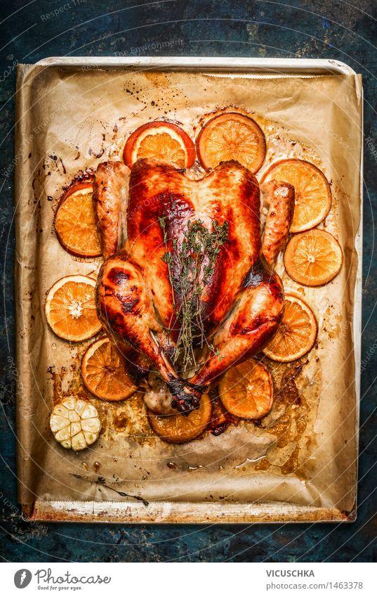 Ganzes Brathähnchen mit Orange Lebensmittel Fleisch Frucht Ernährung Mittagessen Abendessen Festessen Bioprodukte Geschirr Stil Design Tisch Küche