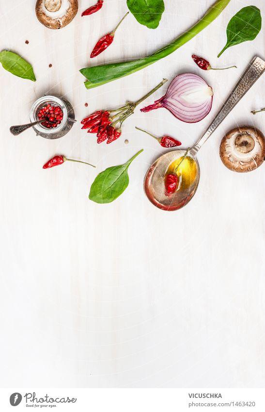 Löffel mit Öl und Gewürzen für eine gesunde Ernährung Lebensmittel Kräuter & Gewürze Bioprodukte Vegetarische Ernährung Diät Slowfood Design Gesunde Ernährung