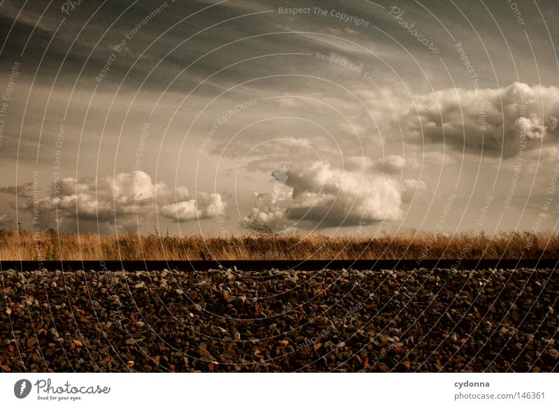Dieser Zug wird sich vorraussichtlich ... Himmel Natur Ferien & Urlaub & Reisen Wolken Gras Bewegung Wege & Pfade Stein Linie Wind Verkehr Eisenbahn
