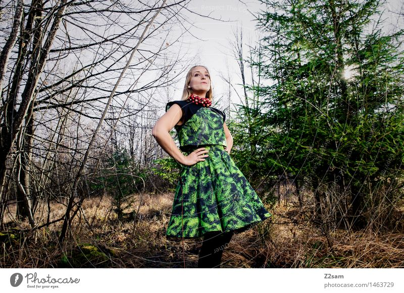 Oh du Stylerin Natur Jugendliche Weihnachten & Advent schön Junge Frau Baum Landschaft Winter 18-30 Jahre Wald Erwachsene feminin Stil Lifestyle Mode Design