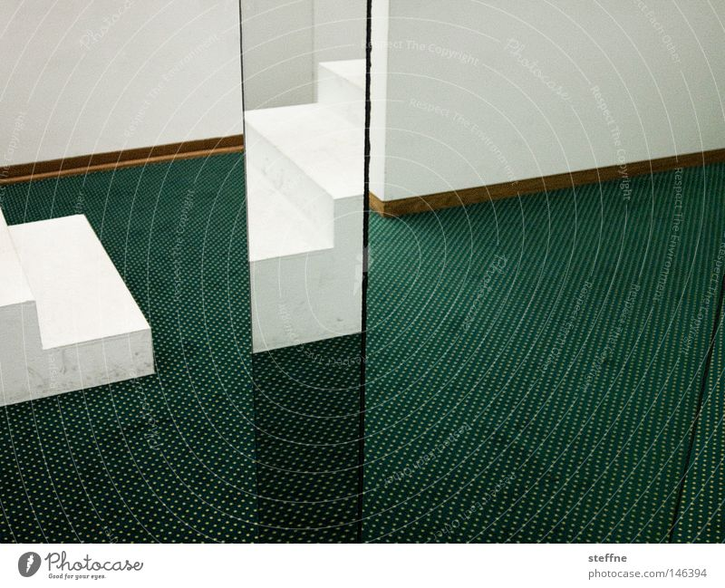 zickzack weiß grün Raum Ecke Spiegel Teppich