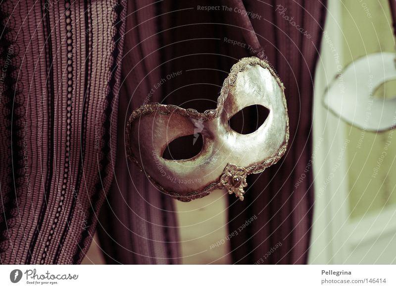 maskenball Beine gold geheimnisvoll Maske Karneval Spiegel Italien Dame Strümpfe silber Venedig verpackt Veneto