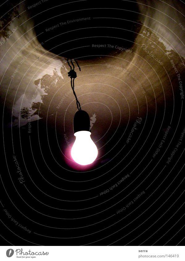 Switch on Glühbirne Licht Elektrizität Schatten Trauer Renovieren Hoffnung Handwerk Energiewirtschaft
