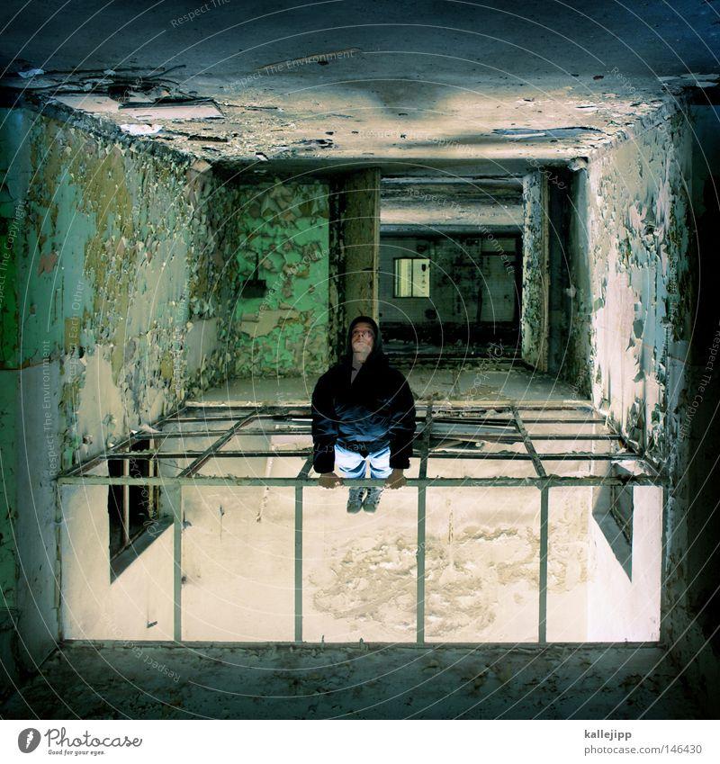 cube Mensch Mann Einsamkeit Farbe Fenster Farbstoff Raum gehen Perspektive Mitte verfallen Vergangenheit Quadrat Verfall feucht Ruine