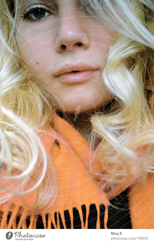 voller Glück und Zuversicht Frau Jugendliche rot Freude Erwachsene Gesicht Auge Herbst feminin Haare & Frisuren Stil orange blond Mund Hoffnung