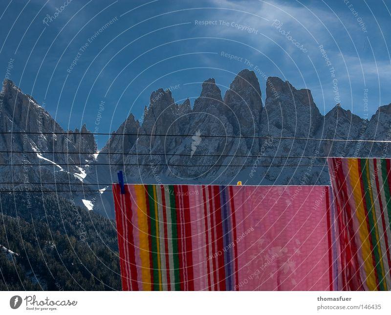 Wäscheberg Berge u. Gebirge Himmel Wolken Bettwäsche blau Schnee Suche Wäscheleine Gipfel Ferne wandern Wäsche waschen rein Sauberkeit Bundesland Tirol Südtirol