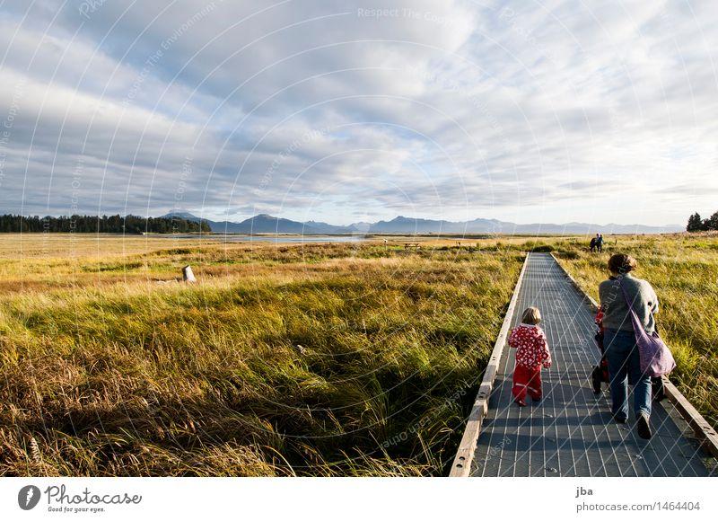 spazieren zum Strand - Alaska 03 ruhig Freizeit & Hobby Ferien & Urlaub & Reisen Ausflug Ferne wandern Kindererziehung Mensch Weiblicher Senior Frau 2 1-3 Jahre