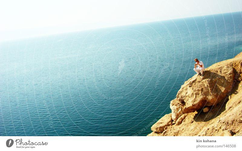 salz Mann Himmel weiß Sonne Meer blau rot Sommer ruhig gelb Gefühle Berge u. Gebirge Stein Wärme Sand Kunst