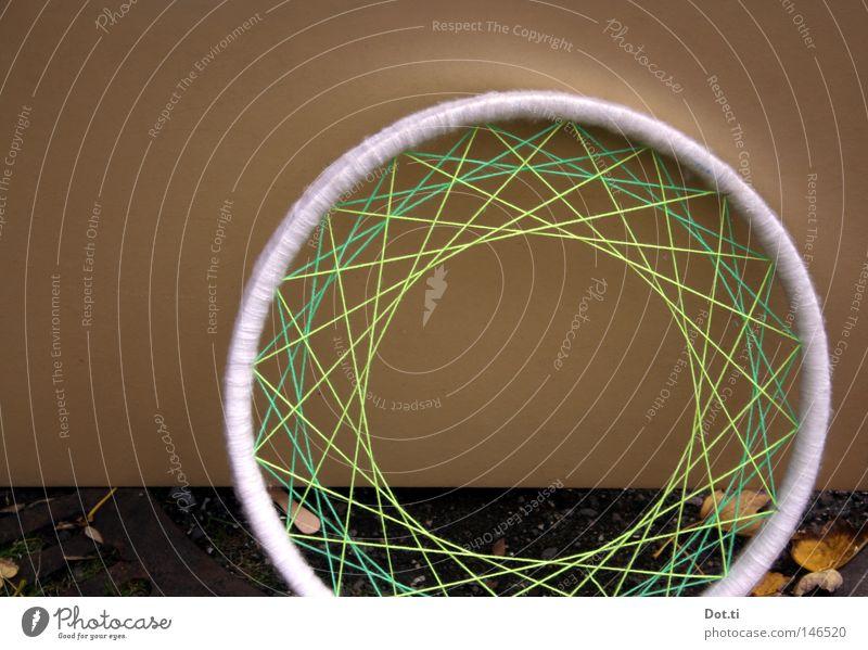 Spinning Rad Felge Speichen Symmetrie rund Radius kreuzen Medizinmann träumen gewebt Weben Nähgarn Wolle spinnen filigran Zwischenraum Strukturen & Formen Dinge