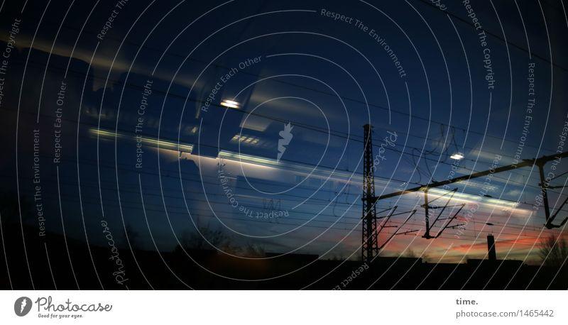 Nightlines Technik & Technologie Energiewirtschaft Oberleitung Himmel Nachthimmel Schienenverkehr Bahnfahren Eisenbahn Personenzug Bewegung