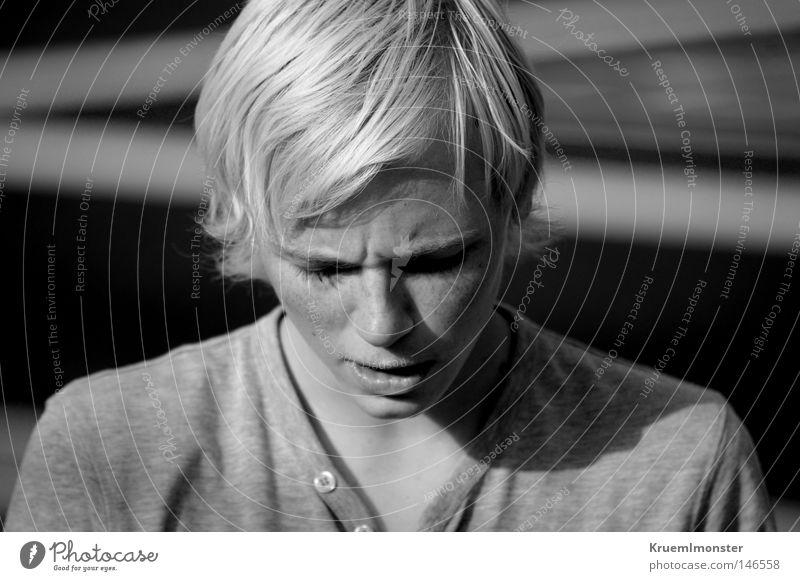 You Don't Deserve What You Mean To Me Mann blond Trauer Norwegen Sommersprossen Trägheit Junger Mann Skandinavien Missverständnis Norweger Passivität
