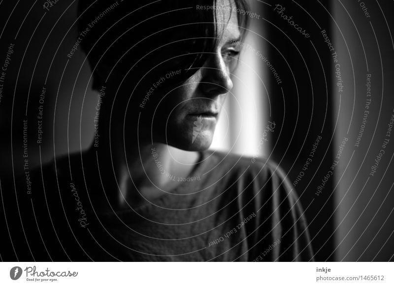 ____ Lifestyle Frau Erwachsene Leben Gesicht 1 Mensch 30-45 Jahre Denken Traurigkeit einfach trist Gefühle Stimmung Trauer Enttäuschung Einsamkeit