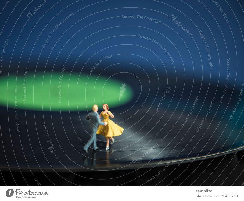 Ins neue Jahr tanzen! Jugendliche Weihnachten & Advent Junge Frau Junger Mann Freude Sport Glück Feste & Feiern Party Paar Zusammensein Musik Tanzen Fitness