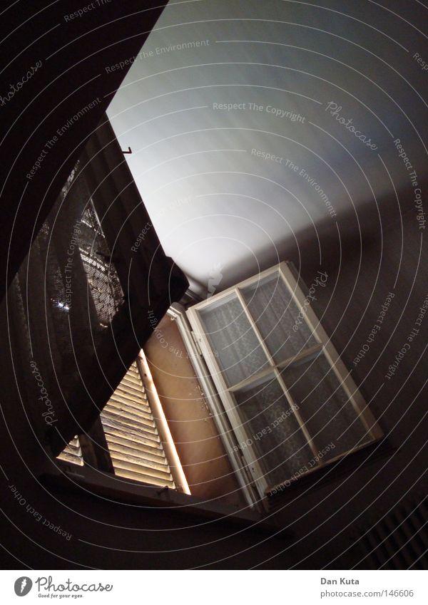 Guten morgen, Sonnenschein! Ferien & Urlaub & Reisen alt schön Freude Fenster Leben Holz Glück oben hell Zufriedenheit Raum Freizeit & Hobby Treppe dreckig offen