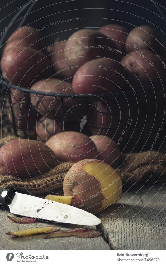 frische Kratoffel in einem Kartoffelkorb Natur Pflanze rot Winter gelb Essen Stil Hintergrundbild Gesundheit Lebensmittel Ernährung planen Küche Gemüse