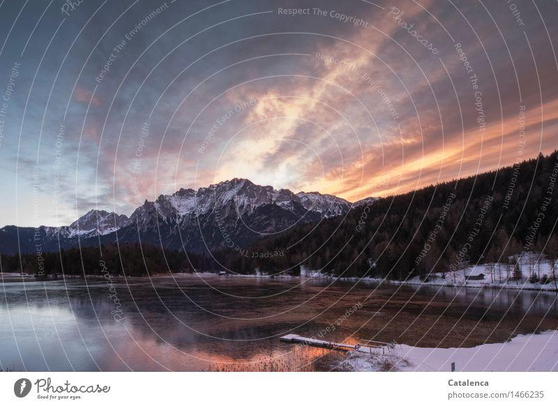 Morgenröte Winter Schnee Winterurlaub Berge u. Gebirge wandern Schwimmen & Baden zugefrorener See Natur Landschaft Wasser Wolken Sonnenaufgang Sonnenuntergang