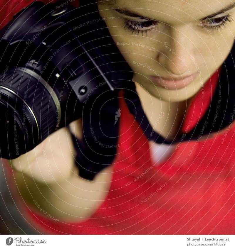 candy camera Mensch Frau Jugendliche schön Junge Frau 18-30 Jahre Gesicht Erwachsene Auge feminin Spielen Kunst Denken Haare & Frisuren Kopf träumen