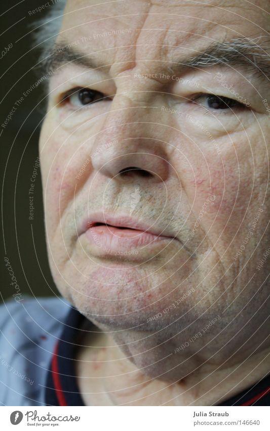 Mein Opa Mann alt kalt Traurigkeit hell Angst neu Trauer Krankheit Großvater Verzweiflung Mitgefühl genervt