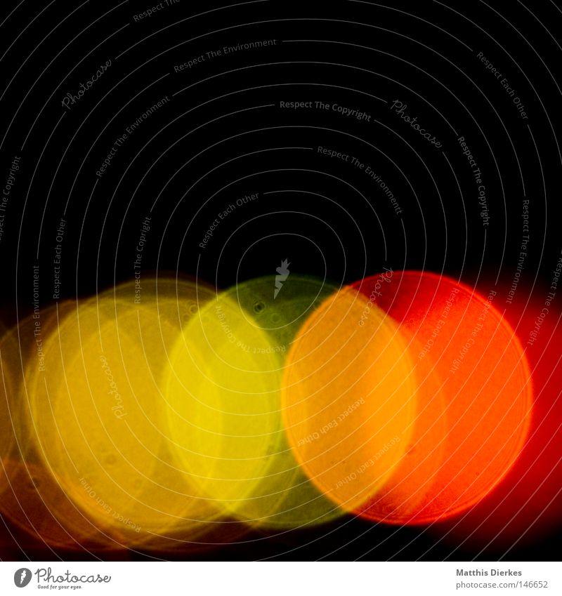 Farben blau Beleuchtung Lampe glänzend leuchten Punkt zart Schmuck Feuerwerk Glühbirne Ampel Lichtspiel Antenne Quelle Zärtlichkeiten