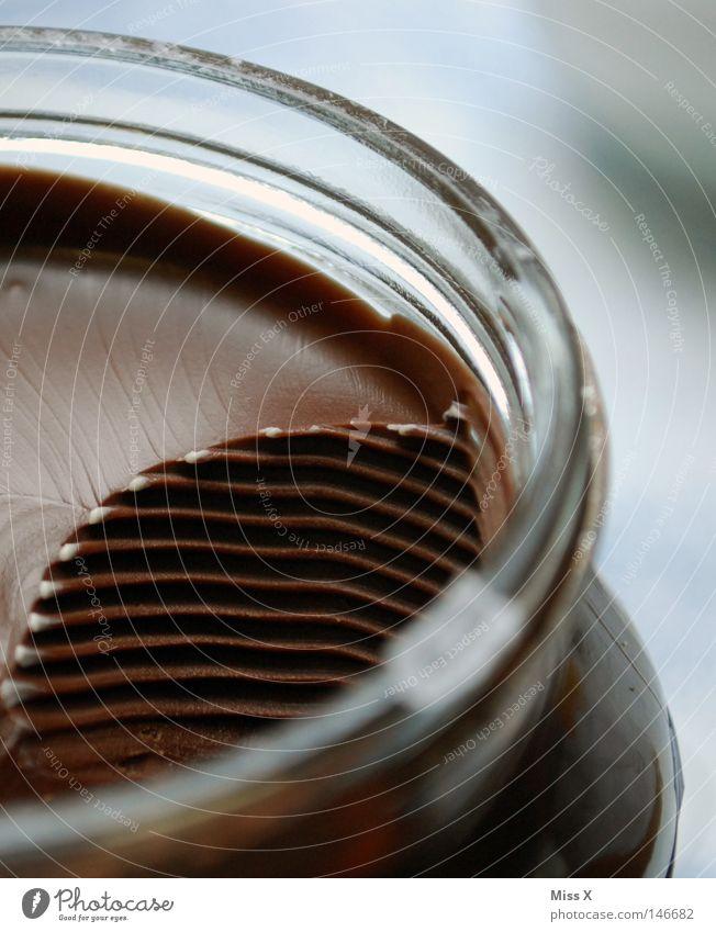 Schokowellen braun süß lecker Süßwaren Schokolade Anschnitt Bildausschnitt Foodfotografie cremig Nussnugatcreme