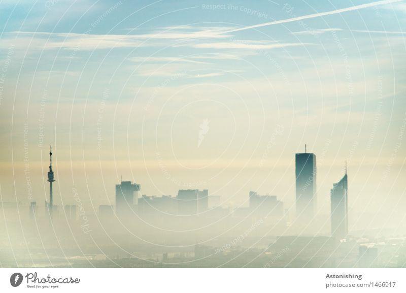 Wien im Nebel Umwelt Natur Himmel Wolken Horizont Herbst Klima Wetter Österreich Stadt Hauptstadt Skyline Haus Turm Bauwerk Gebäude Dach Antenne