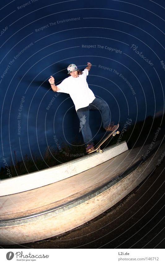 K-GRIND Himmel Hand Freude Sport Spielen springen Metall Park Aktion Lifestyle T-Shirt Skateboarding Punk Rolle Hardcore extrem