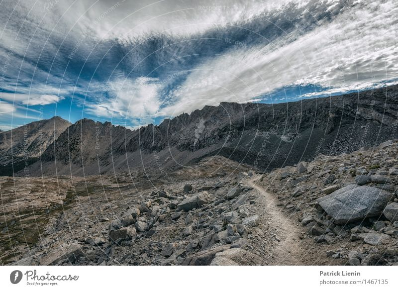 Berglandschaft Erholung ruhig Ferien & Urlaub & Reisen Abenteuer Sommer Berge u. Gebirge wandern Umwelt Natur Landschaft Urelemente Erde Himmel Wolken Klima