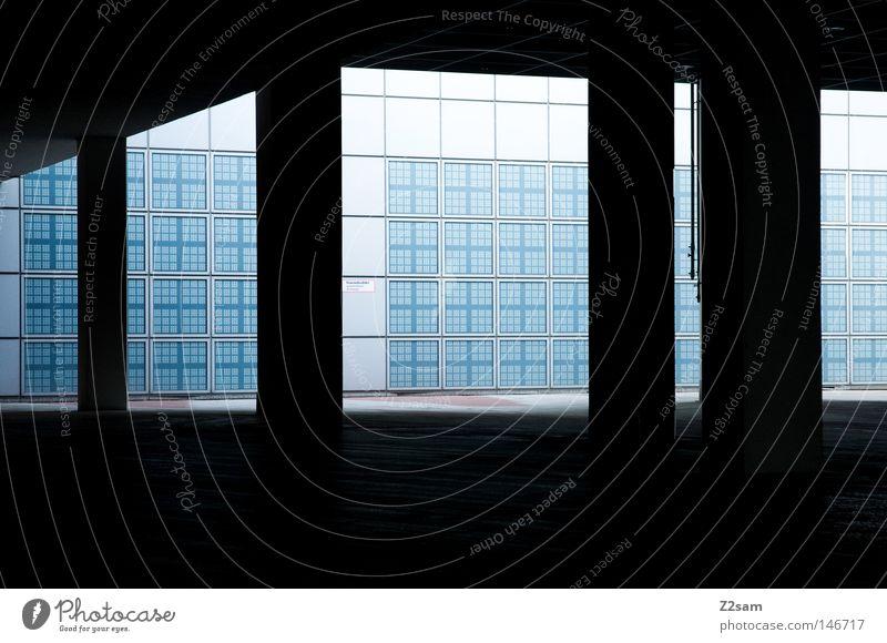 THE GATE Zugang Eingang schwarz dunkel Licht hell-blau Verlauf Dach Futurismus Beton Gebäude modern Gate Tor Schaltpult reduzieren Schatten kästchen Kasten