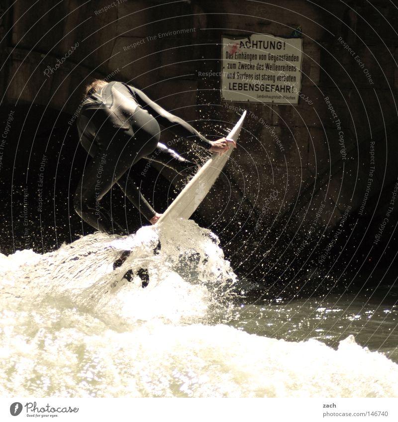 Bitte beachten Sie die Gefahrenhinweise! Surfen Lebensgefahr gefährlich Hinweisschild Zeichen Warnhinweis Schilder & Markierungen Sport Freude Wasser