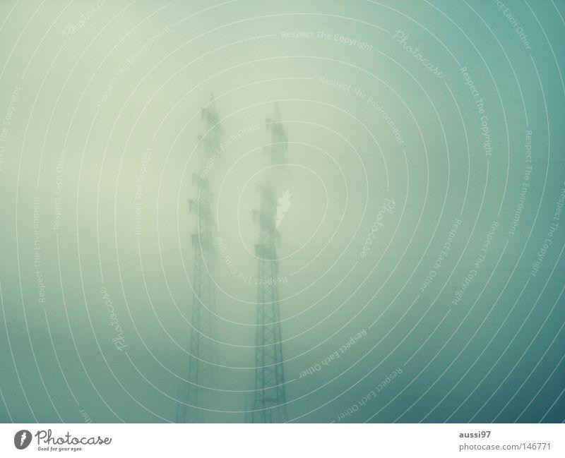 Die Sicht der Dinge... Stromtransport Elektrizität 2 Prisma Industrie Strommast Himmel Metall Treppe Leiter Kabel hoch Klettern Doppelbelichtung Unschärfe
