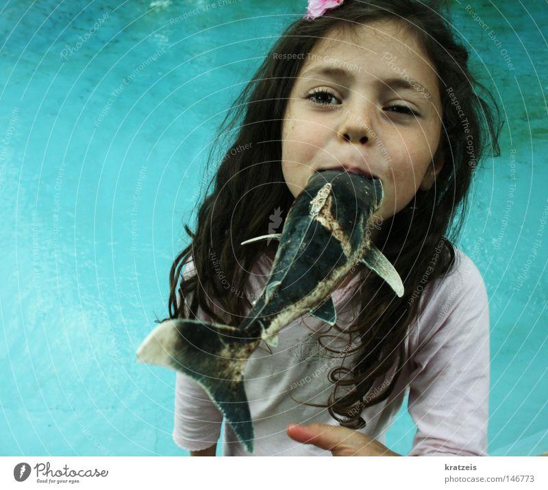 chrrrrrp. Schwimmbad Pirat Sommer Wasser aufgewacht Fisch Mund Sinti Mädchen