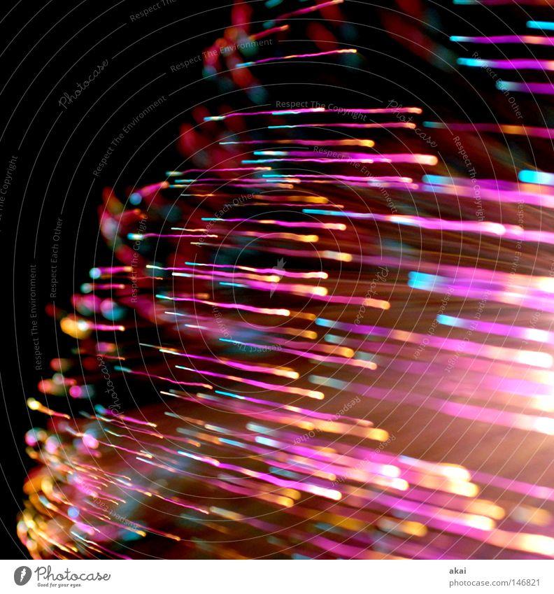 Lichtwelten Ufolampe Fernsehlampe Belichtung UFO Lichtspiel Langzeitbelichtung Experiment Streifen Glasfaser Studie Kunst Kunsthandwerk streifenlicht