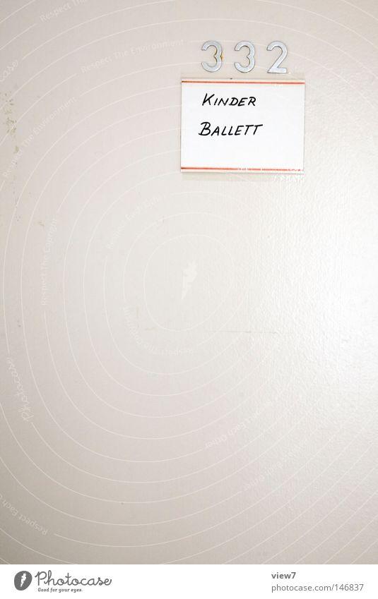 Kinderballett Tür Tor Schilder & Markierungen Hinweisschild Zeichen Warnhinweis Mädchen Tanzen Schulgebäude Schulunterricht Schriftzeichen Ziffern & Zahlen