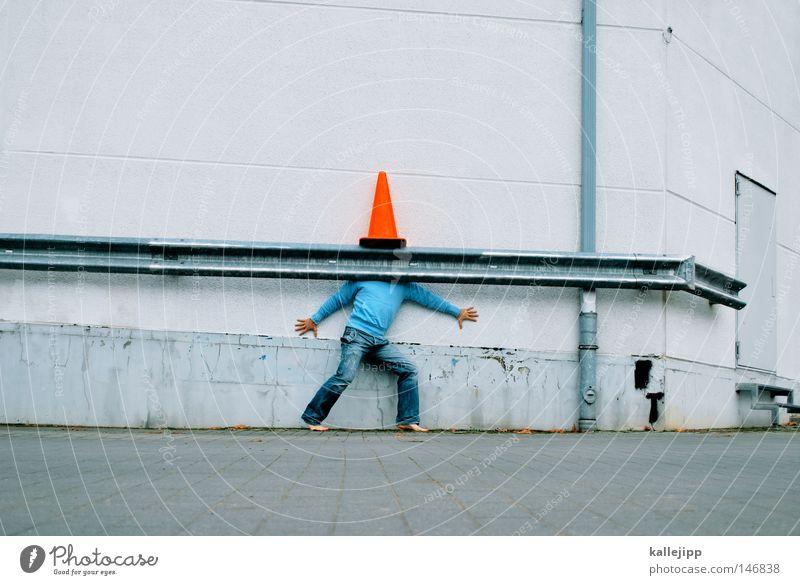 verdeckte ermittlungen Mensch Mann Stadt blau weiß rot Freude Wand Straße Mauer Spielen Lifestyle hell Tür Verkehr Schilder & Markierungen