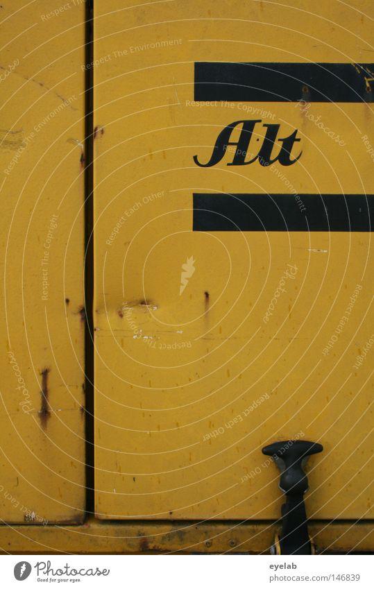 Alt Typographie Wort Buchstaben Information gelb schwarz Baumaschine Kompressor Streifen Gitter verfallen kaputt desolat Schriftzeichen Handwerk