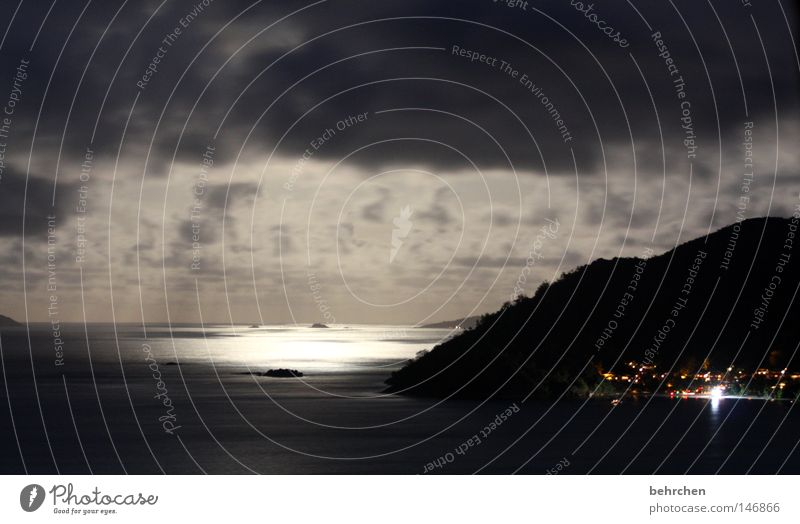 der mond ist aufgegangen Seychellen Indischer Ozean Flitterwochen Meer Wolken Nacht Romantik träumen Aussicht Trauminsel Licht Mondschein dunkel Denken Physik