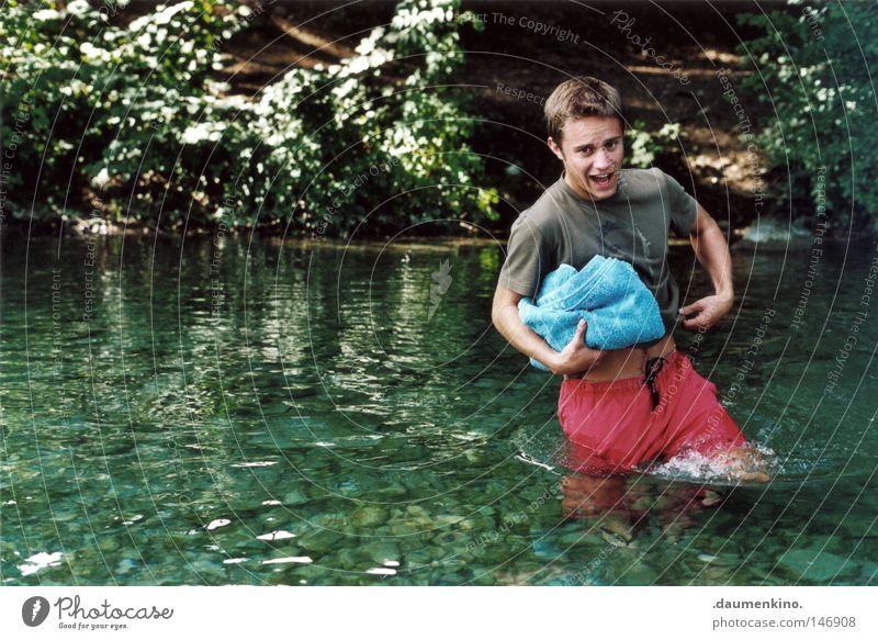 Schmerzgrenze Mann Wasser Baum Ferien & Urlaub & Reisen Sommer Blatt Wald kalt Gefühle Haare & Frisuren Stein See Haut nass Schwimmen & Baden Bodenbelag
