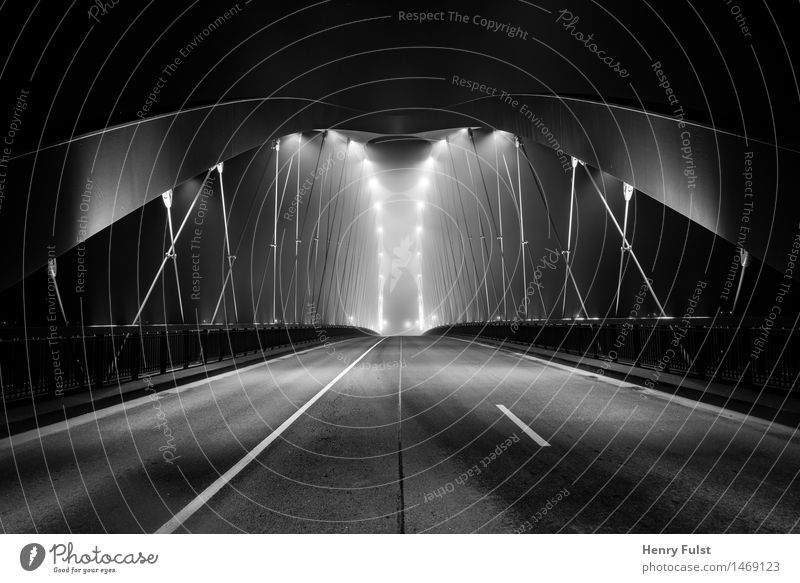Border Bridge Architektur Stadt Stadtrand Menschenleer Brücke Kunst Langzeitbelichtung Nacht Beleuchtung Schwarzweißfoto dunkel Monochrom Nikon Night Streetlife