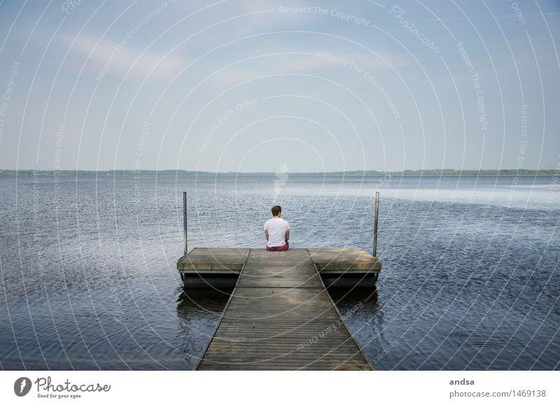 Somewhere in Sweden Mensch maskulin Junger Mann Jugendliche Erwachsene 1 18-30 Jahre Natur Landschaft Luft Wasser Himmel Wolkenloser Himmel Horizont Sommer