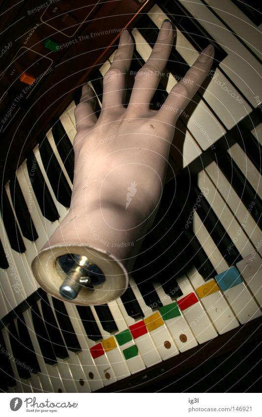• ghost artist • Hand Musik mehrere planen Schnur Kreativität Medien Konzentration Teile u. Stücke Verfall entdecken verstecken Radio Klavier Inspiration Ton