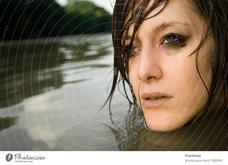träumfrau Frau Wasser schön Sommer Gesicht Auge kalt Kopf Haare & Frisuren Stil Traurigkeit Denken Wellen Zufriedenheit Rücken Mund