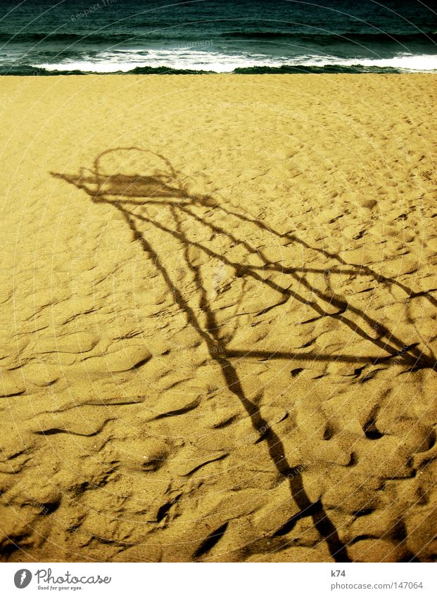 untitled Hochsitz Rettungsschwimmer Strandposten retten Kontrolle überwachen Aussicht Meer See Wasser Spuren Brandung Meerwasser Schatten Licht Sanitäter Küste